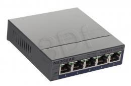 Switch NETGEAR  (5x 10/100/1000Mbps)